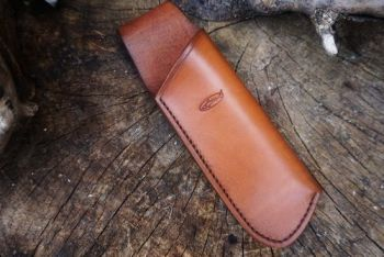 leather hand dyed hand stitched laplander saw sheath by beaver bushcraft