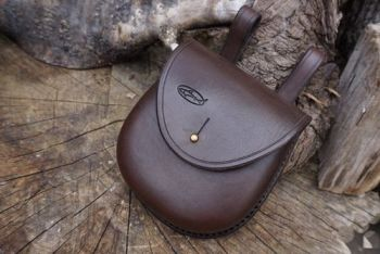 leather ready to go scandi style pouch with sam brown stud for beaver bushc