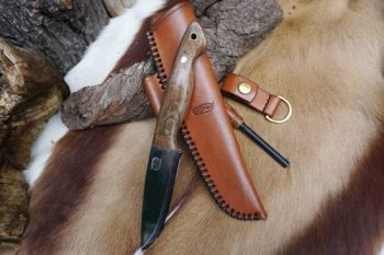 cutting beaver bushcraft & survival knife with matching accessories