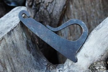 fire curly P shaped traditional fire steel striker by beaver bushcraft