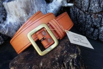 leather hand dyed opper riveted belt ex display for beaver bushcraft in sad