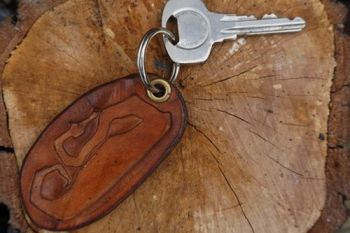 Leather nog brown leather key ring made by beaver bushcraft