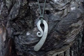 fire traditional monkey tail fir steel pendant by beaver bushcraft