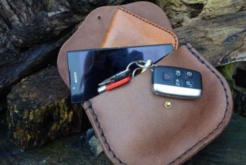 Leather mega sized possibles pouch by beaver bushcraft