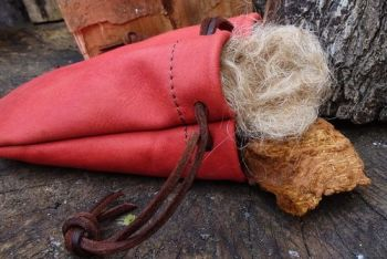 leather hand dyed blush tinder possibles pouch all made by beaver bushcraft