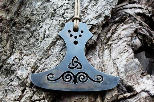 Flint & Steel Fire Striker 'Thor's Hammer' Striker/Pendant - (85-)