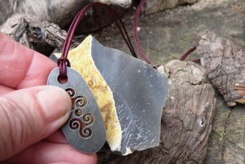 Fire mini triskele celtic pendant fire steel by beaver bushcraft
