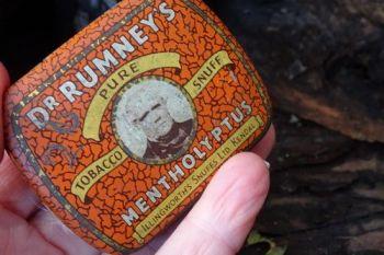 Vintage rare snuff box turned into tinderbox by beaver bushcraft