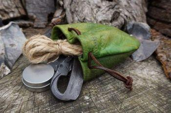 Fire dragons skin tinder pouch GOT for beaver bushcraft