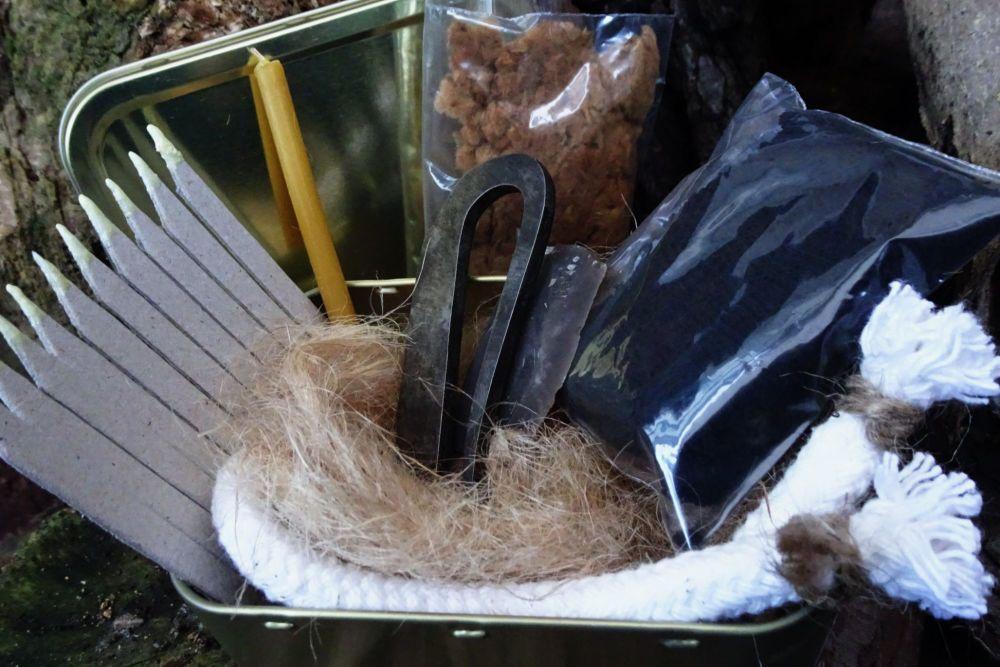Beaver Bushcraft - Traditional 'Flint & Steel' Classic Tinderbox - Special