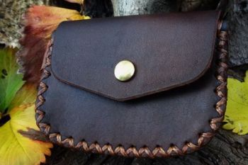 leather hand stitched gussted outdoor pouch made by beaver bushcraft
