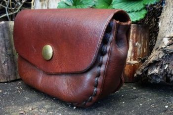 Leather old school belt pouch quirky look for beaver bushcraft