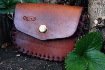 leather hand laced belt pouch and then hand dyed by beautiful beaver bushcr