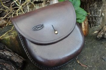 Leather wet moulded out door pouch slight aged patina by beaver bushcraft