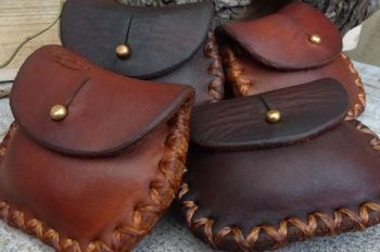 Leather mini hard coin pouches hand dyed by beaver bushcraft