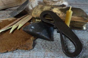 Vintage brass encraved flint & steel tinderbox by beaver bushcarft