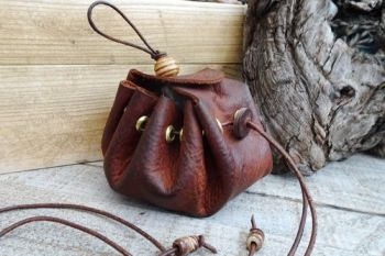 Leather old style merchant belt pouch by beaver bushcraft
