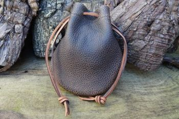 Leather brown textured vinatge pouch by beaver bushcraft