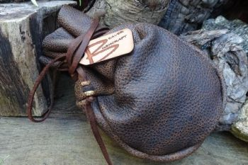 Leather samo pouch made from distressed vintage leather by beaver bushcraft