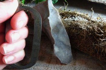 Fire steel elongated oval with flint by beaver bushcraft