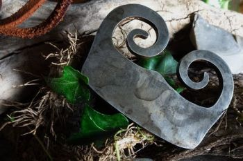 Fire steel from the Burgandy eara by beaver bushcraft