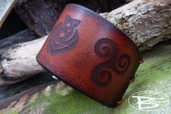 Leather hand dyed viking cuff with tooled triskele design by beaver bushcra