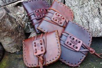 leather pioneering pouch for beaver bushcraft generic photo hudson bay vers