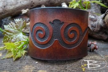 Leather cuff with celtic scroll design by beaver bushcraft