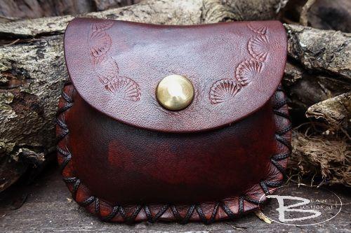 Leather Hand 'Tooled Heart ' Decorative Design Pocket Mini 'Possibles' Pouc