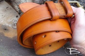 leather bespoke hand dyed hand made 911 belt by beaver bushcraft