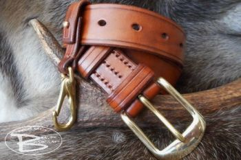 leather 501 hand stitched belt with belt loop by beaver bushcraft