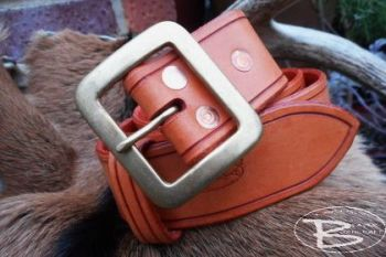 leather hand made 101 belt by beaver bushcraft