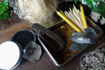 Vintage frenc style tinderbox with flint & steel by beaver bushcraft