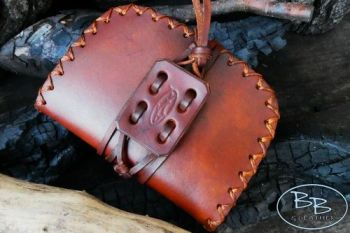 Leather hand stitched pioneering style pouch handvrafted by beaver bushcraf