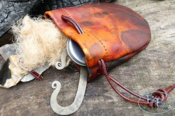 Leather tinder pouch with beautful hand dyed patina by beaver bushcraft