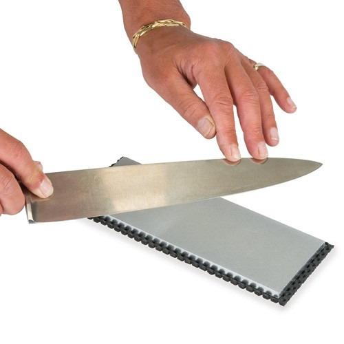 trend_bench_stone_kitchen_knife