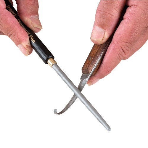 sharp-pen-file-with-hook-knife