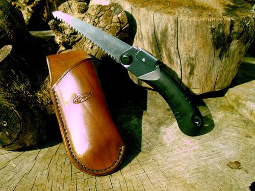 leather-sheath-pocket-saw-open