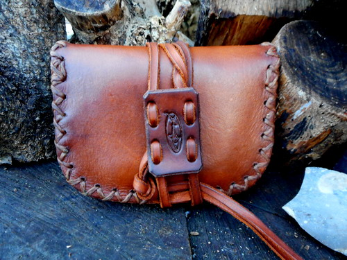 leather-hard-pioneers pocket book tinder pouch generic pic