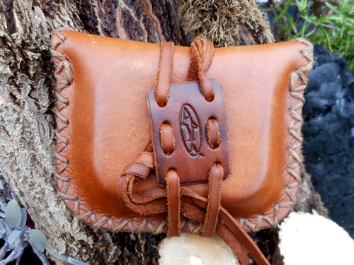 leather-hard-the pocket pioneers tinder pouch double sided.generic pic 1jpg