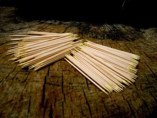 Tinder-Sulhur matches generic cocktall sticks
