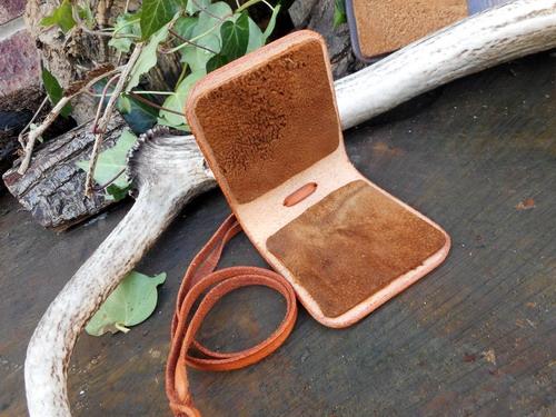 Leather-Amadoe Fly Fising wallets-open pic