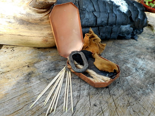 1700 'Trappers' Tinderbox - Solid Copper-With Traditional Flint & Steel