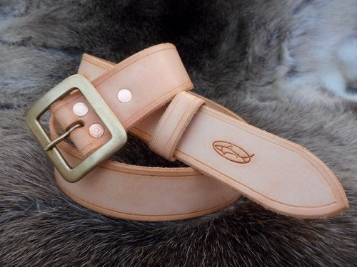 leather belt back to basic russet