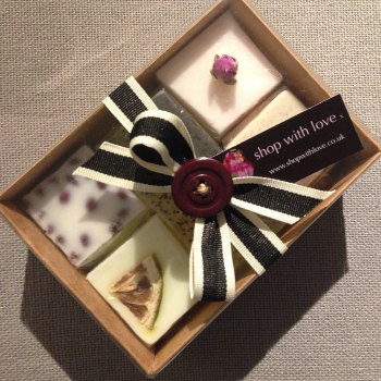 Button Gift Box