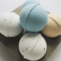 LARGE BATHBOMBS