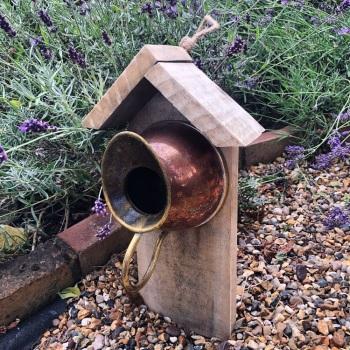 010 Bird feeder