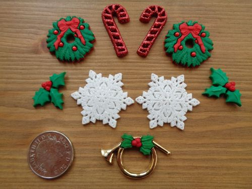 Dress It Up Buttons - Deck The Halls, Festive Buttons