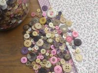 Mixed Vintage Mulberry Rose Buttons - 75g