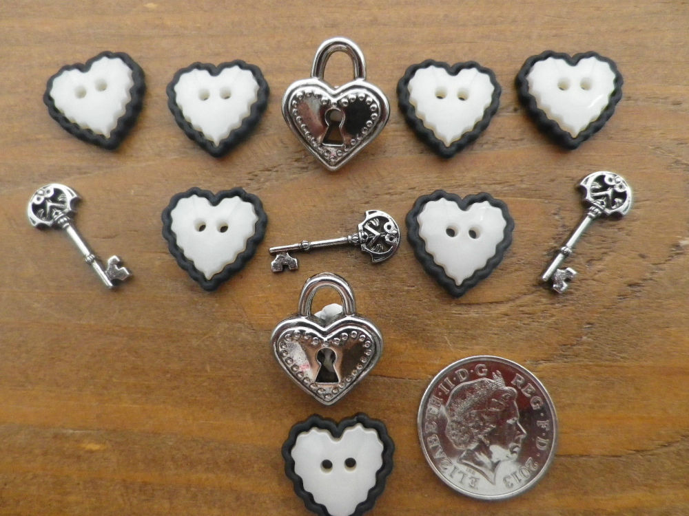 Dress It Up Buttons - LOVE STORY - Hearts, Keys ,Padlocks